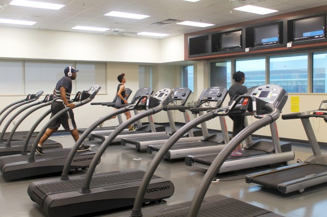Students work up a sweat in the upstairs cardio room of the Recreation Center (Photo: Emily Austin)